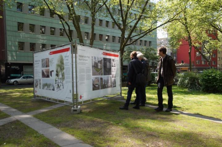 Präsentation der Entwürfe auf dem Yitzhak-Rabin-Platz